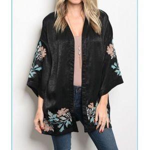 Jackets & Blazers - Black floral details kimono